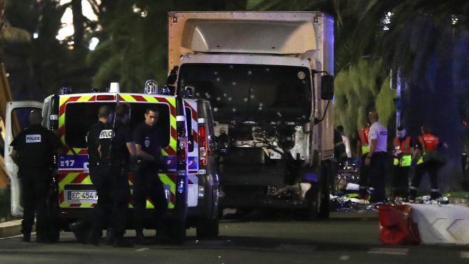 El camión con el que el terrorista islámico arrolló a las personas.