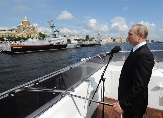 El presidente ruso, Vladimir Putin, durante la celebración del Día de la Armada rusa.