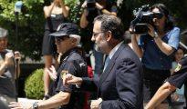El presidente del Gobierno, Mariano Rajoy, a su salida del Congreso tras asistir a la sesión constitutiva del Congreso de la XI legislatura, la semana pasada.