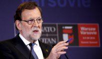 El presidente del Gobierno español en funciones, Mariano Rajoy, durante la rueda de prensa posterior a la sesión plenaria del Consejo del Atlántico Norte.