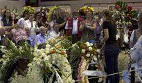 Momento en el que Raquel Sanz le da el último adiós al torero fallecido, Víctor Barrio
