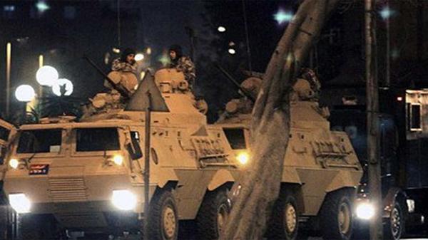 Erdogan lleva a cargo una purga masiva el las fuerzas armadas tras sofocar el golpe en su contra.