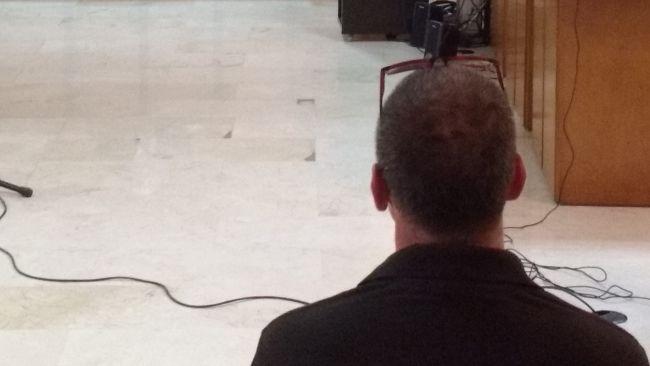 El acusado, Manuel P., ayer durante el juicio en la Audiencia.