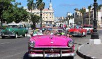 El turismo es considerado el sector más dinámico de la economía cubana, y el segundo después de los servicios profesionales, con una factura que alcanzó más de 1.940 millones de dólares en 2015, para un crecimiento del 10,7 %, según informes de la Oficina Nacional de Estadísticas e Información (ONEI) de la isla.