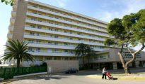 Un hotel en la localidad española de Calas de Mallorca, en la isla de Mallorca