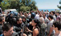Enfrentamientos entre jóvenes corsos y la policía tras los incidentes que enfrentaron a partidarios y detractores del burkini.