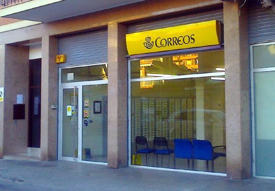 Denuncian a los empleados de la oficina de correos en for Oficina de correos valencia