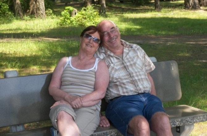 Las autoridades locales de salud dicen que están tratando de encontrar desesperadamente un hogar para la pareja