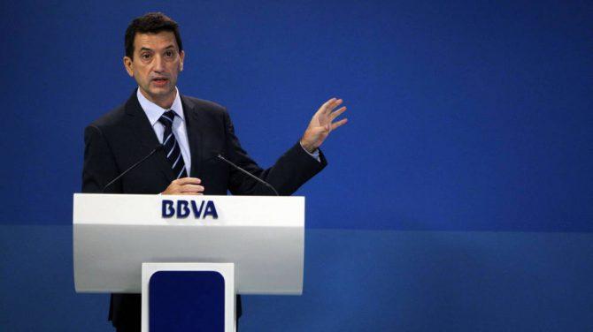 El economista jefe de Economías Desarrolladas de BBVA Research, Rafael Doménech, durante la presentación en rueda de prensa de un informe.