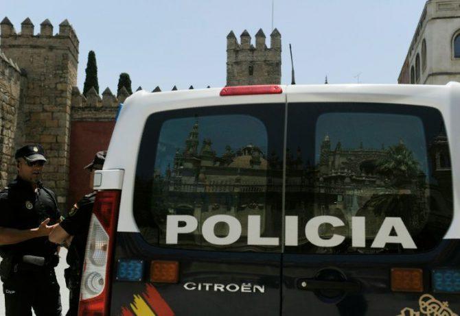 Una furgoneta de la policía fotografiada en Sevilla,