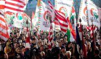 Miembros del partido político Jobbik en una concentración en Budapest.