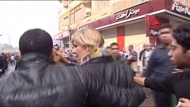"""La periodista Lara Logan rompió el silencio e informó sobre el asalto sexual masivo en Egipto durante la """"Primavera Árabe"""""""