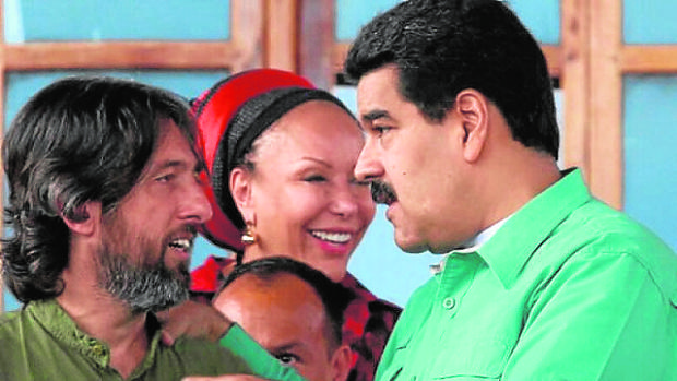 Alfredo Serrano Mancilla charla con Nicolás Maduro