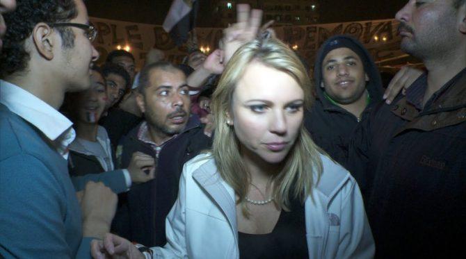 Marion Maréchal-Le Pen, rodeada por los nuevos amos de Francia.