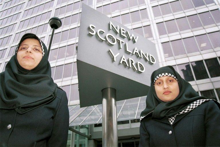 Resultado de imagen de mujeres con velo Londres