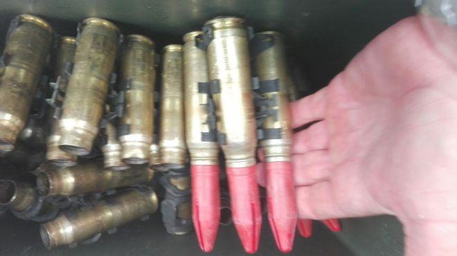 Imagen de los proyectiles que contenía la caja hallada en aguas de Cabrera.