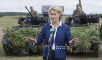 La ministra de Defensa, Ursula von der Leyen, ofrece una rueda de prensa.