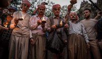 Yazidíes se reúnen en el santuario de Sheikh Adi ibn Musafir para celebrar el Año Nuevo en Lalish, al norte de Mosul (Irak).