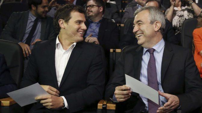 El presidente de Ciudadanos, Albert Rivera junto al economista Luis Garicano, invitado a la última reunión de Bilderberg.