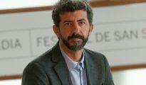 """El director Alberto Rodríguez tras la proyección de su película """"El hombre de las mil caras"""" en el Festival de San Sebastián, el 16 de septiembre de 2016"""
