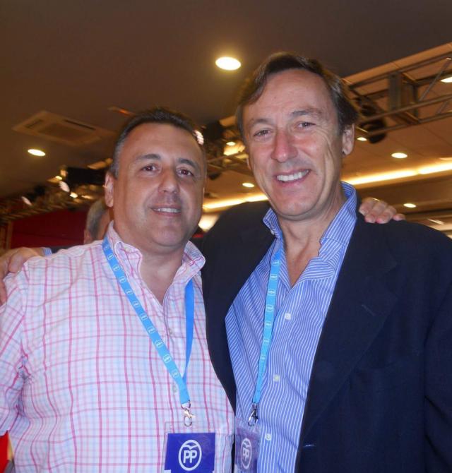 Óscar Bermán junto a Rafael Hernando, portavoz parlamentario del PP.