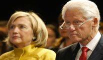 Bill Clinton, junto a su mujer en un acto electoral en 2015.
