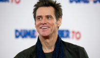 Jim Carrey sonríe en la presentación de la película 'Dumb and Dumber To', el 20 de noviembre del año 2014 en Londres