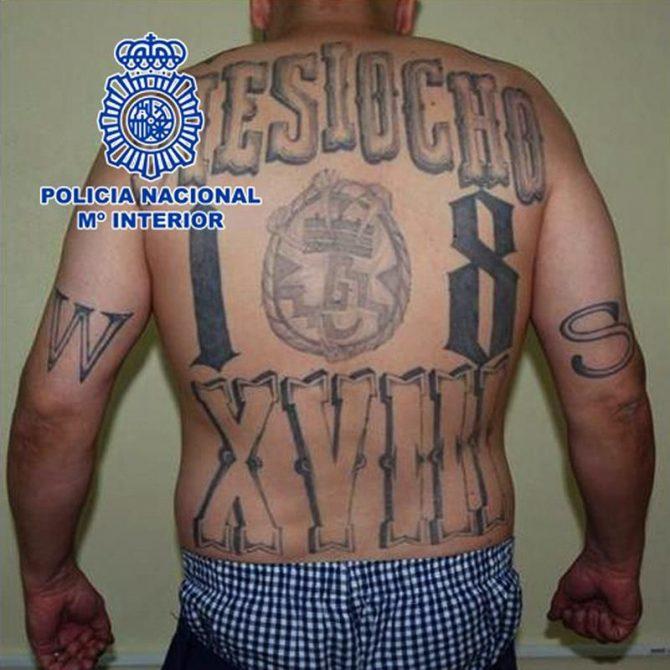 """Fotografía facilitada por la Policía Nacional, de uno de los líderes de la banda salvadoreña Mara 18, conocido como """"El Mexicano"""", que ha sido detenido en Leganés (Madrid) gracias a la colaboración de los servicios policiales de Honduras y El Salvador."""