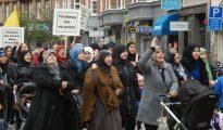 Mujeres musulmanas se manifiestan en Estocolmo reclamando más ayudas.