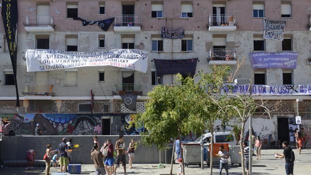 La casa ocupada La Quimera, en la plaza Nelson Mandela, en Madrid.