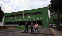 Fachada del Instituto de Servicios Periciales, ubicado en la ciudad de Toluca, capital del Estado de México.