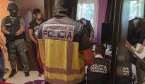 Fotografía facilitada por la Policía Nacional, del momento de la detención.