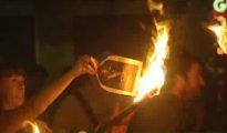 Quema por parte de separatistas catalanes de fotos con la imagen del Rey Felipe VI