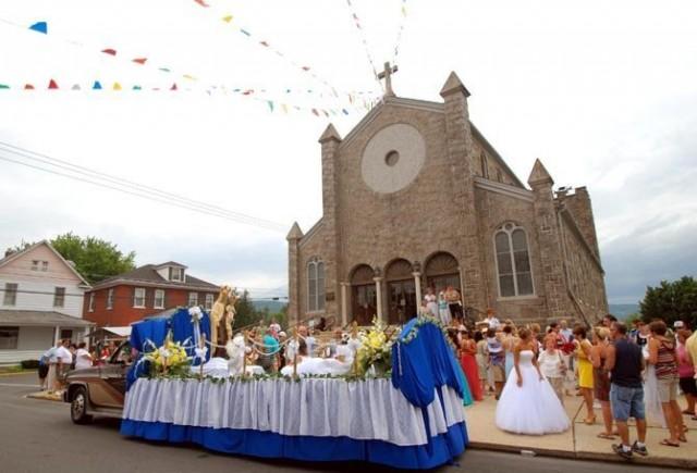 La Iglesia, uno de los ejes de la vida en Roseto.