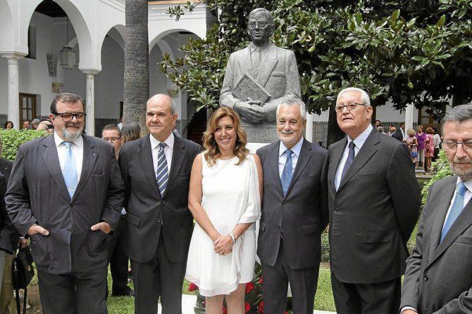 Susana Díaz, con los ex presidentes de la Junta de Andalucía