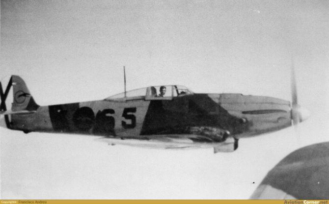 He 112B con matrícula 5-65 y el teniente Entrena Klett a los mandos sobre los cielos de Marruecos