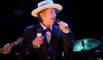 El músico y compositor Bob Dylan cantando durante el Festival Internacional de Benicássim (Castellón) en España.