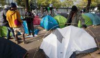 Inmigrantes acampados en París.