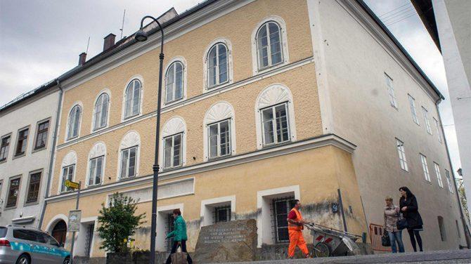 Casa en la que nació Adolfo Hitler, el 17 de abril de 2015 en Braunau am Inn, Austria
