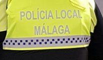 Chaleco con la falta de ortografía 'Polícia'