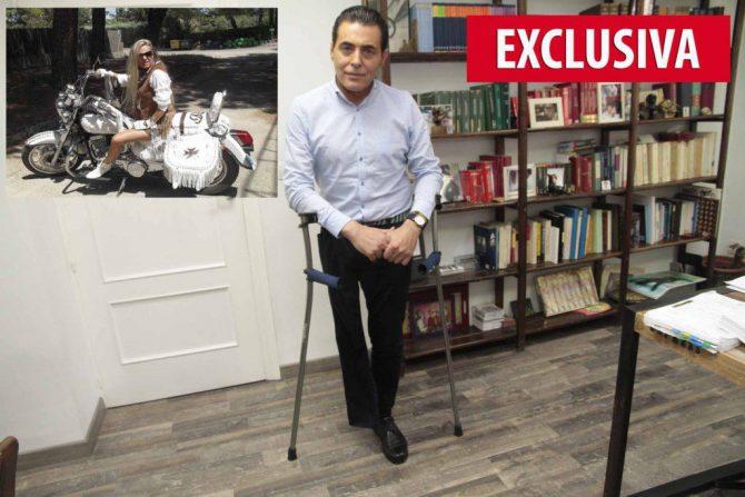 Luis Hiniesto, el vendedor de cupones de la ONCE, al que trató de asesinar su esposa, María del Carmen Hormigos, en la foto pequeña, sobre la moto en la que solía desplazarse por Valdemorillo, cuando eran matrimonio.