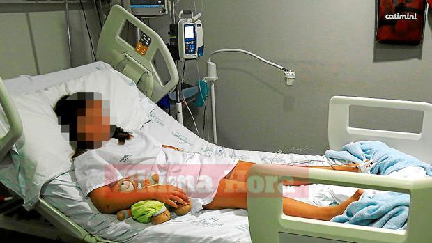 La pequeña de ocho años tuvo que ser hospitalizada tras la agresión sufrida en su colegio - ÚLTIMA HORA