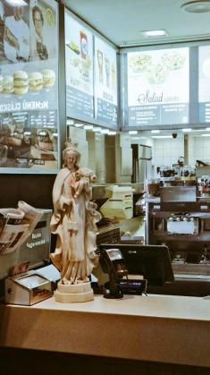 Víirgen ensangrentada en el McDonald's de Talavera