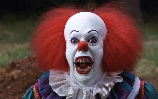 El payaso de la película 'It', basada en la novela del mismo nombre de Stephen King, es el modelo en el que se basan los 'bromistas' que se disfrazan de payaso macabro.