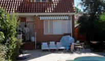 La Guardia Civil ha localizado los cuerpos de cuatro personas, dos adultos y dos menores de cuatro y un años, de nacionalidad brasileña descuartizados en un chalé de la urbanización La arboleda de Pioz (Guadalajara) del que eran inquilinos.