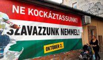 """""""No deberíamos correr el riesgo, vota no"""" reza en Hungría un cartel electoral contra las cuotas de los refugiados"""
