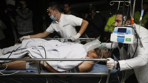 El primer superviviente atendido en el hospital de La Ceja, el futbolista Alan Ruschel