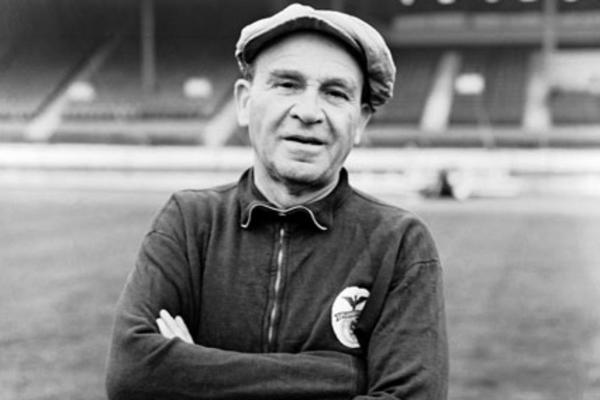 Bela Guttmann consiguió dos títulos consecutivos con el Benfica en 1961 y 1962