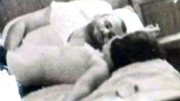También se reveló esta imagen de Mohammed Taghi Falsafi con otra prostituta