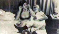 Sheikh Jafar Shojooni junto a una prostituta, cuya identidad no fue revelada, en la década de los 70